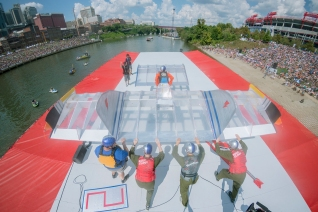 Team Ground Control perform their routin at Red Bull Flugtag in Nashville, TN, USA, on 23 September, 2017 // Chris Garrison/Red Bull Content Pool // P-20170924-00838 // Usage for editorial use only // Please go to www.redbullcontentpool.com for further information. //